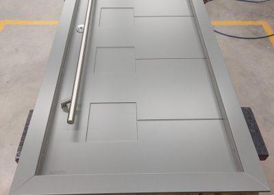 Munitus Security door with long handle, modern designe.
