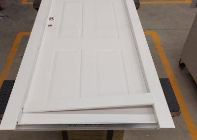 Munitus security door with mini MF milling