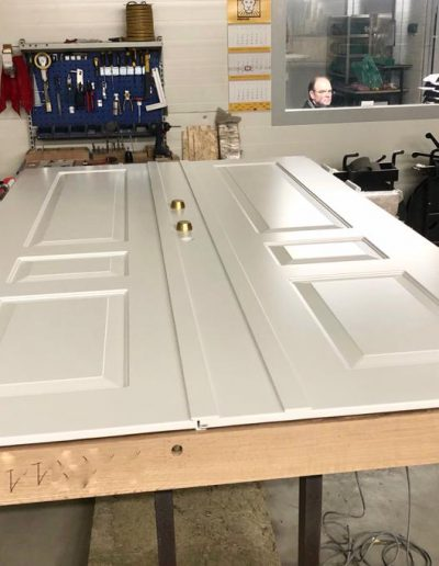 Munitus double security front door with wood threshold