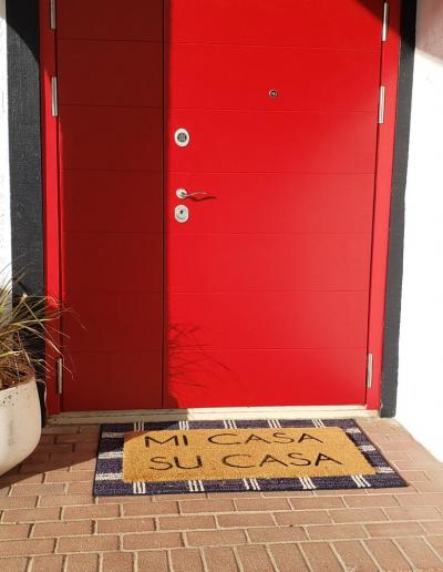 Double Munitus securiy door installed in California, US