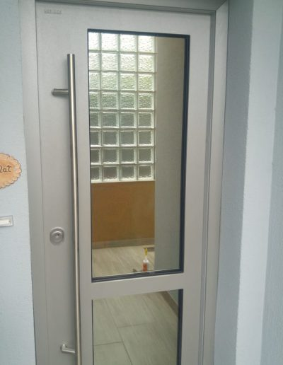Munitus Security door with glass installed in Germany.