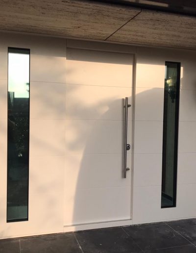 Munitus bullet resistant FB6 door with sidelights BR6 In Holland
