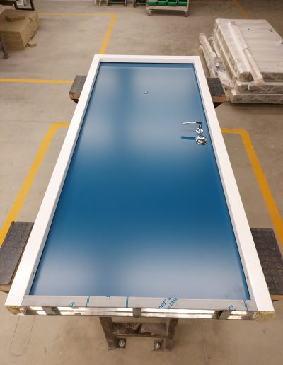 RC3 apartment door with blue flat panel