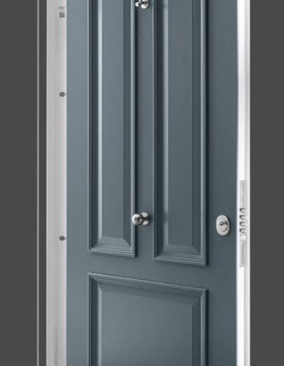 Munitus Security door model Gerlock Classic RC 3 with baguettes and thge glass