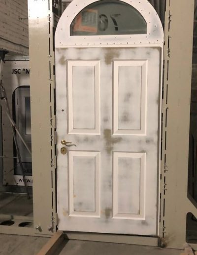 Quality control on the stand in Munitus factory. RC3 security door with hidden hinges