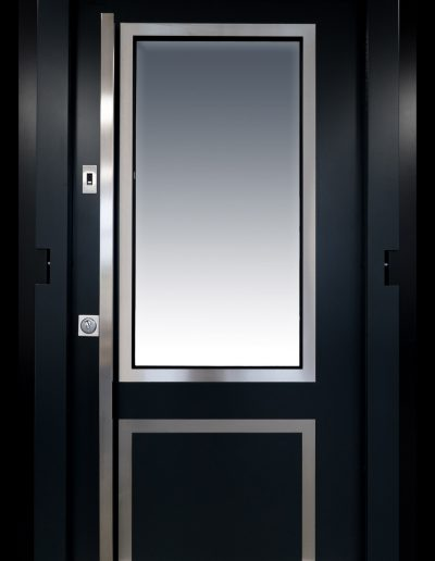 Munitus Security doorr model Gerlock Classic RC3 with glass