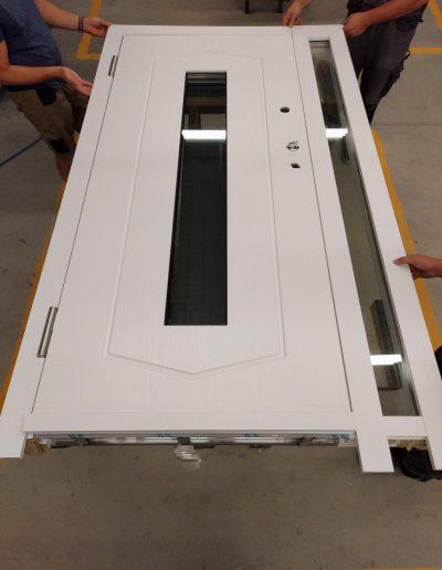 Munitus security door with sidelight