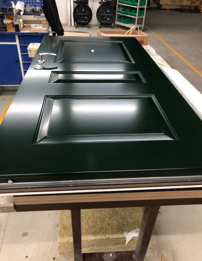 Munitus security doors with MF milling