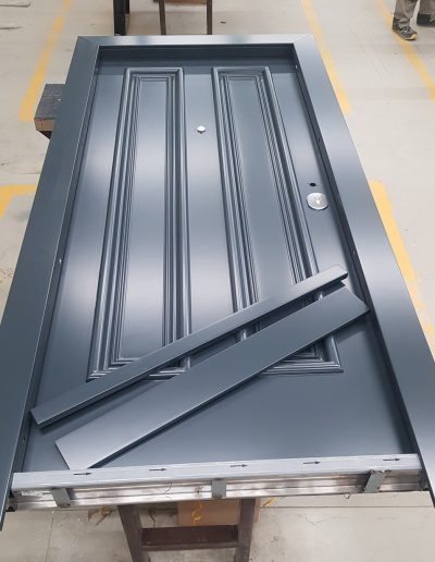 #bestsecuritydoors #manufacturingsecuritydoors #securitydoorsfactory #archesecuritydoor #securitydoorswithsidelights