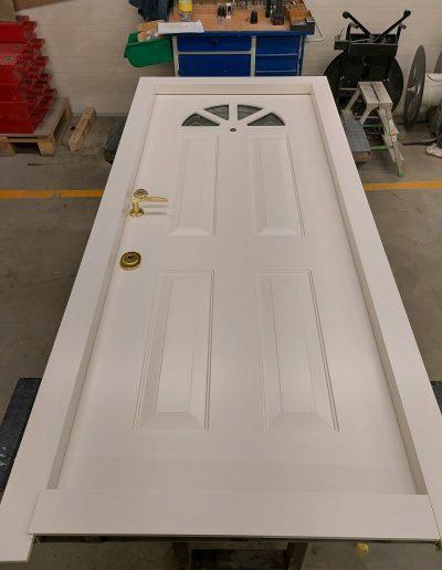 #highsecuritydoors #bespokesecuritydoors #frontdoorwithglasses #doublesecuritydoor #securitydoorwithtransom