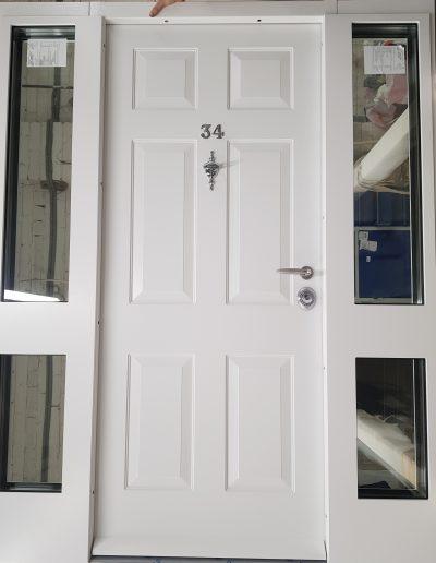 #securitydoors #highsecuritydoors #bespokesecuritydoors #frontdoorwithglasses #doublesecuritydoor #securitydoorwitht